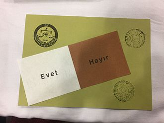 Turkish constitutional referendum, 2017 - A ballot paper and envelope used in the referendum. 'Evet' translates to Yes while 'Hayır' translates to No.