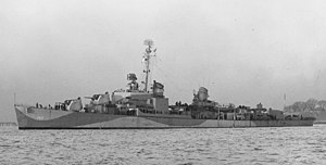 USS Southerland (DD-743) off the Boston Navy Yard on 6 January 1945 (19-N-30278)