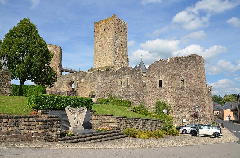 Useldange Castle - Impromptu Visit