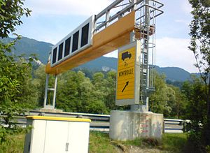 Inn Valley Autobahn - Verkehrsbeeinflussungsanlage (VBA) mit Ausleitung zur Kontrollstelle Radfeld