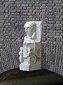 Van Beuningenbrug - Rotterdam - Sculpture southwest (left).jpg