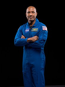 Portret oficial Victor Glover 2020.jpg