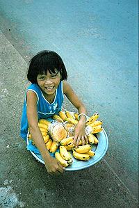 Vendeuse de bacoves à Hô-Chi-Minh-Ville au Viêt Nam.