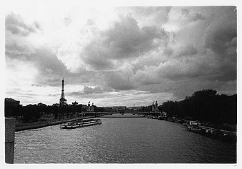 View of the Seine in Paris, 1999.jpg
