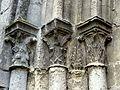 Villeneuve-sur-Verberie (60), église Saint-Barthélémy, portail latéral occidental, chapiteaux à gauche.jpg