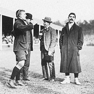 Vincent Cartwright - Cartwright (left) tossing the coin while watched by South Africa's Paul Roos in 1906.