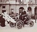 Voiture décorée pour la Mi-Carême 1903 à Paris - Recadré.jpg
