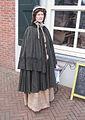 Vrouw in klederdracht 19de eeuw Spijkenisse.jpg