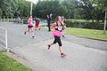 Vrouw met jurkje rennend Ladiesrun 2015.jpg
