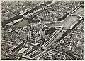 Vue aérienne de la Cathédrale Notre-Dame de Paris.jpg