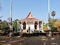 Wat Kampong Tralach Leu Vihara 11.jpg