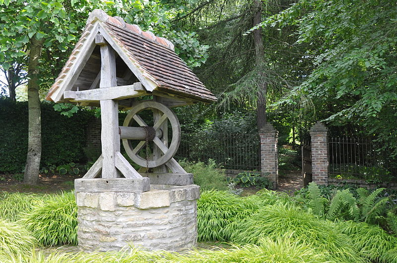 File Water Well In Garden Of Cambremer France Jpg