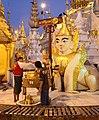 Yangon-Shwedagon-570-WochentagSO-Mars-Loewe-Dienstag-gje.jpg
