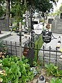 Zabytkowe groby na cmentarzu w Jazgarzewie k. Piaseczna (32a).jpg