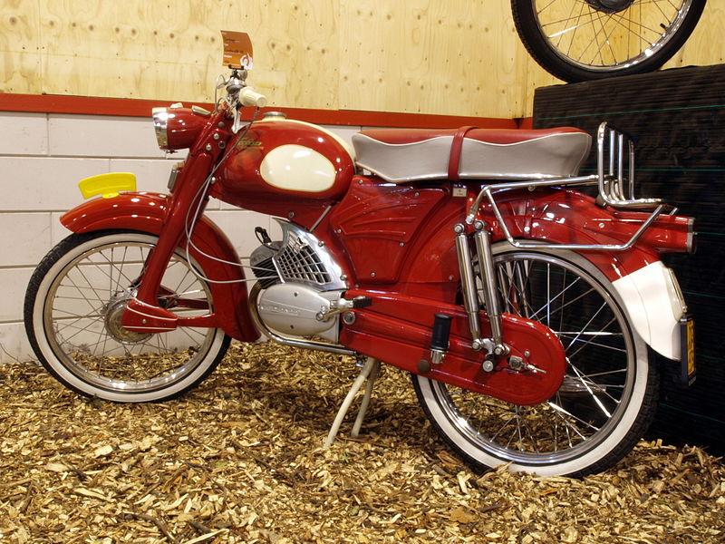 File:Zundapp Super Combinette 110 (1961) pic.JPG