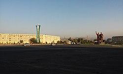 Въезд в город Алмалык - вид с правой стороны.jpg