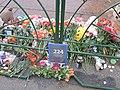 Дворцовая площадь, траур по погибшим в рейсе 9268.jpg
