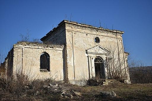Руїни старовинної церкви у Садківцях