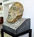 Դանիել Երաժշտի կիսանդրին, գտնվում է Կապանի երկրագիտական թանգարանում.jpg