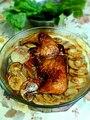 دجاج مشوي مع بطاطس بالفرن.jpg