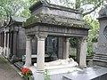 アレキサンドル・デュマ(息子)の墓.jpg