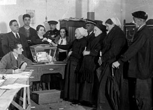 Historical photo showin women voting for first time on the Autonomous Statute referendum in the Basque Country.