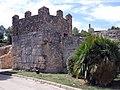02 Jaciment d'Olèrdola, muralla romana, torre del portal d'entrada.JPG