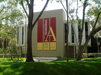 USC Annenberg School for Communication and Journalism - Annenberg Building on the edge of Founder's Park