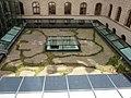 1010 Rathaus - Hof Nr. 6 - Pflanzeninstallation von Lois Weinberger 2005 IMG 5632.jpg