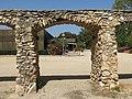 130 Arcades del recinte de la sala Kursaal (Valls), antic aqüeducte.jpg