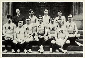 1907–08 Chicago Maroons men's basketball team - Image: 1907 08 Uof C Men's Basketball Team
