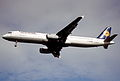 190dq - Lufthansa Airbus A321-131, D-AIRH@LHR,05.10.2002 - Flickr - Aero Icarus.jpg