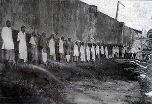 Indian Singaporeans - Sepoy mutineers awaiting execution in 1915.