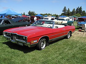 1971 Ford LTD convertible (red).jpg