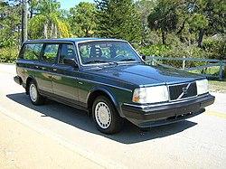 250px-1990_volvo_240dl_wagon_4.jpg