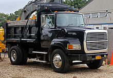 220px 1995_Ford_L9000_Aeromax_dumptruck ford l series wikipedia 95 ford l9000 aeromax ac wiring diagram at love-stories.co
