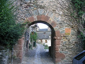 Conques - Image: 2003 Conques arch IMG 6323
