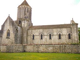 Surgères - Image: 2008 08 Surgères church 2