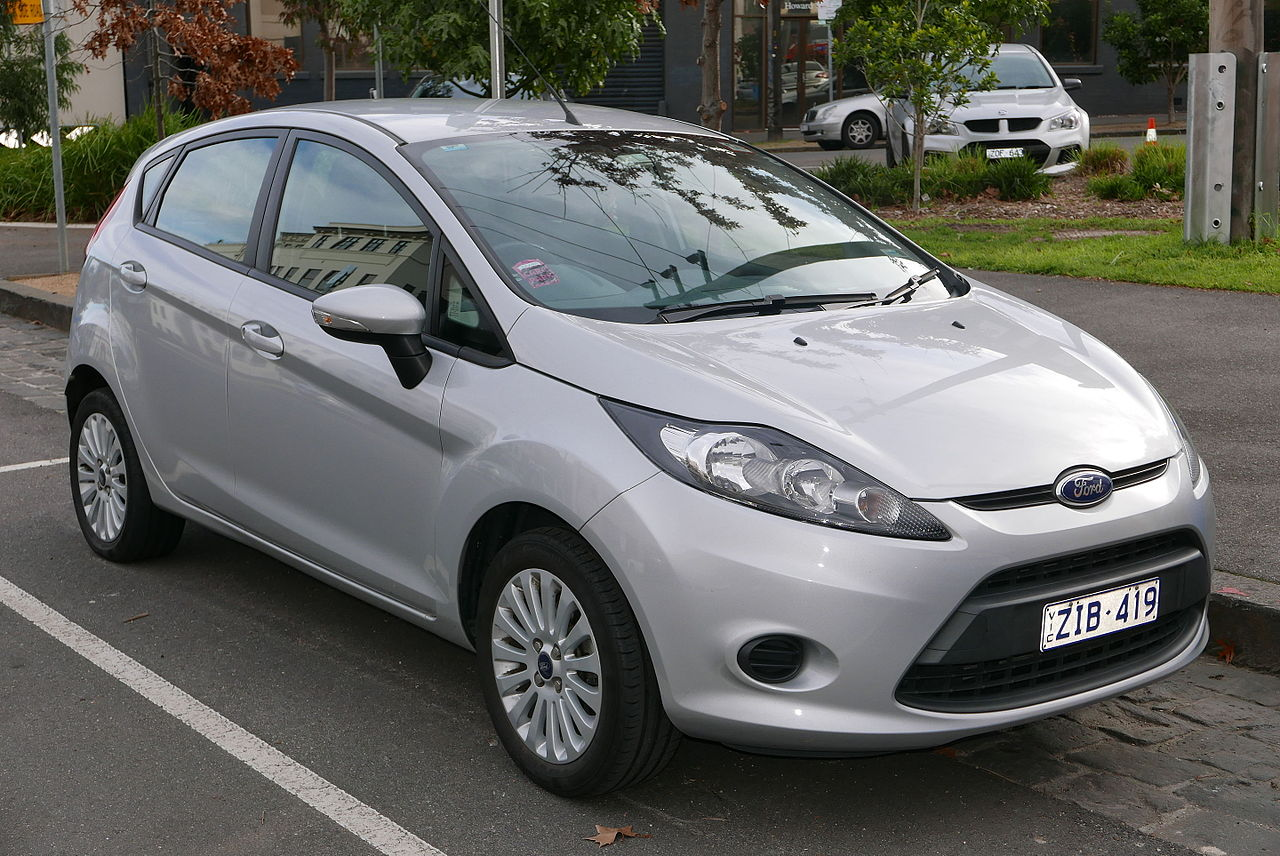 2010 Ford Fiesta (WT) LX 5-door hatchback (2015-07-16) 01.jpg