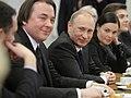 2011-02-03 Владимир Путин с коллективом Первого канала (14).jpeg