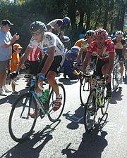 Froome in maglia bianca davanti a Juan José Cobo alla Vuelta a España 2011