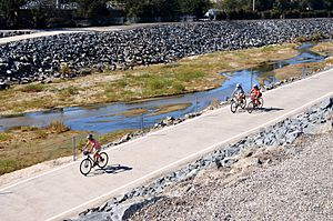 San Diego Creek - San Diego Creek and San Diego Creek bicycle path