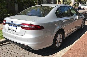Ford Falcon (FG X) - Image: 2015 Ford Falcon (FG X) sedan (2017 04 01) 02