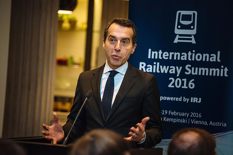 Datei:2016 Christian Kern Railway Summit 2.jpg