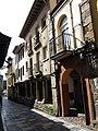 228 Calle de Bances Candamo (Sabugo, Avilés), porxos de la banda oest.jpg
