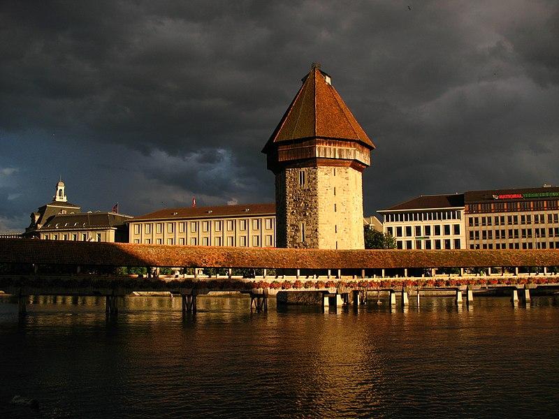 File:7104 - Luzern - Kapellbrücke.JPG