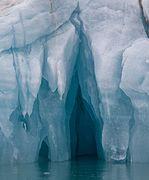 A look inside an iceberg (2), Liefdefjord, Svalbard.jpg