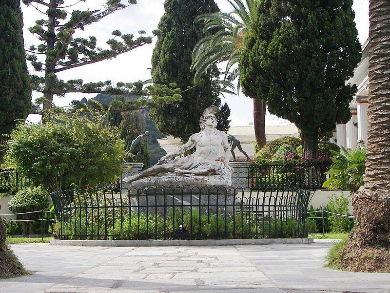 File:Achilles thniskon in Kerkyra.jpg