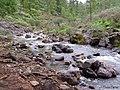 Agua entre las piedras - panoramio.jpg