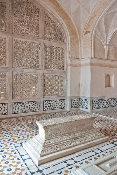 File:Akbar's Tomb 13.jpg